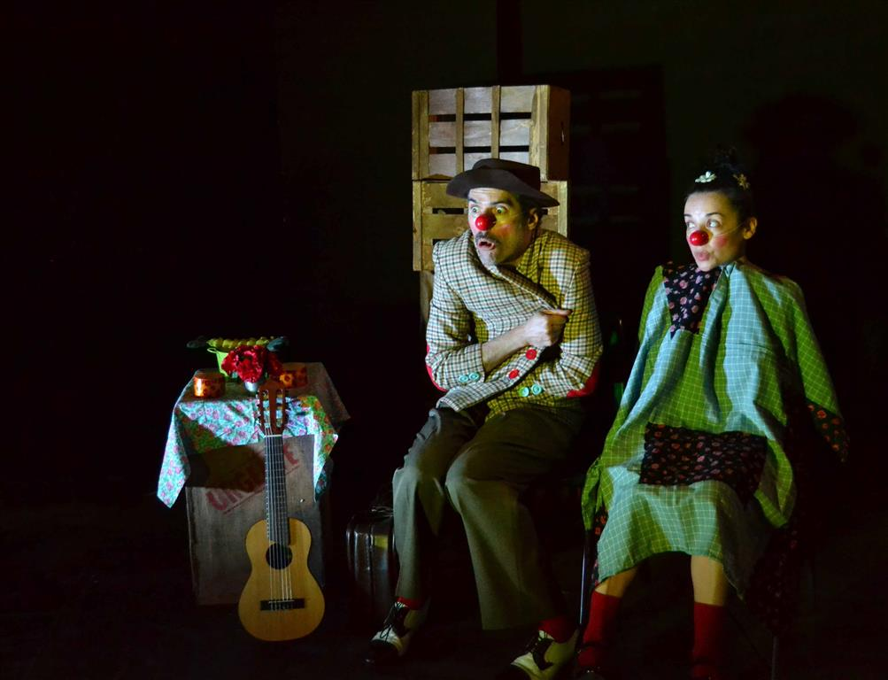 Clown sin tierra - Petit Teatro